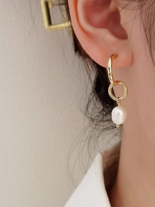 HYACINTH Brass Imitation Pearl Geometric Vintage Huggie Earring 1