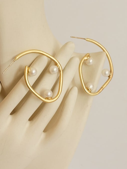 Five Color Brass Imitation Pearl Geometric Minimalist Stud Earring 3