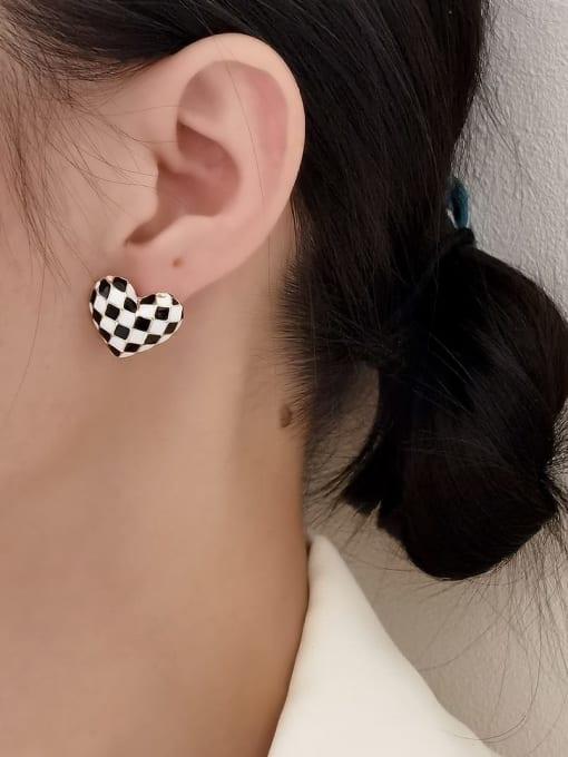 HYACINTH Brass Enamel Heart Vintage Stud Earring 1