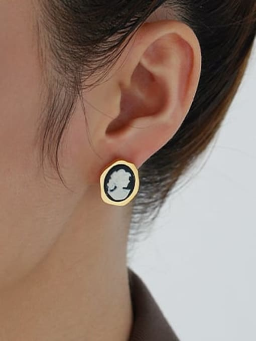 ACCA Brass Resin Oval Vintage Stud Earring 2