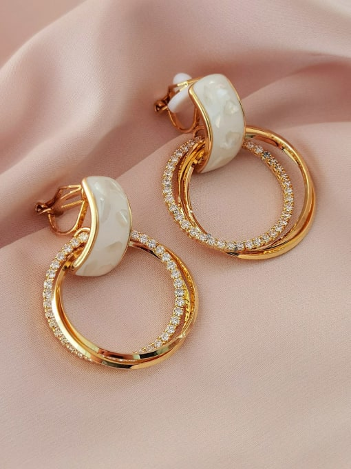 HYACINTH Brass Shell Geometric Minimalist Clip Earring 2