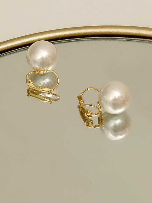 HYACINTH Copper Imitation Pearl Geometric Minimalist Huggie Earring 3