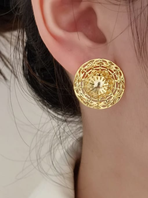 HYACINTH Brass Hollow Round Vintage Stud Earring 1