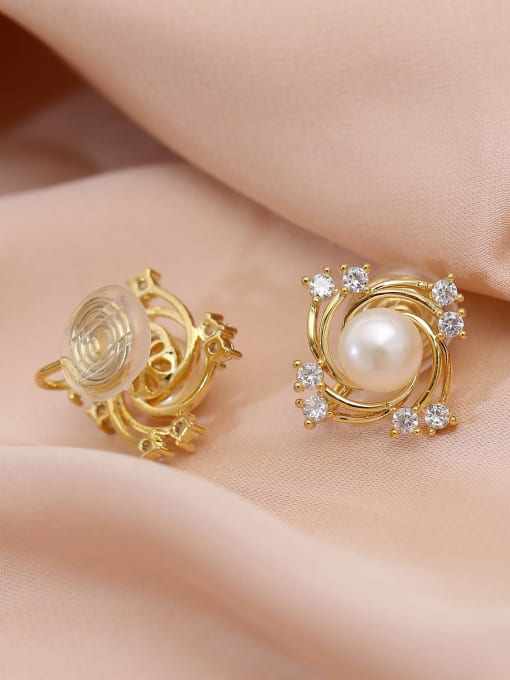 HYACINTH Brass Freshwater Pearl Geometric Trend Stud Earring 2