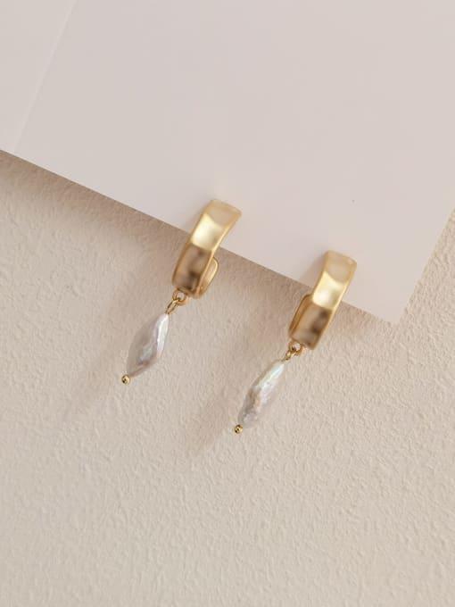 Dumb gold Brass Freshwater Pearl Geometric Vintage Huggie Earring