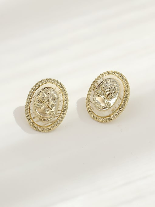 HYACINTH Brass Shell Oval Vintage Stud Earring