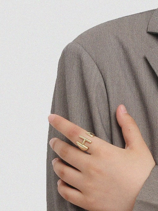 HYACINTH Brass Smooth Letter Minimalist Band Ring 1
