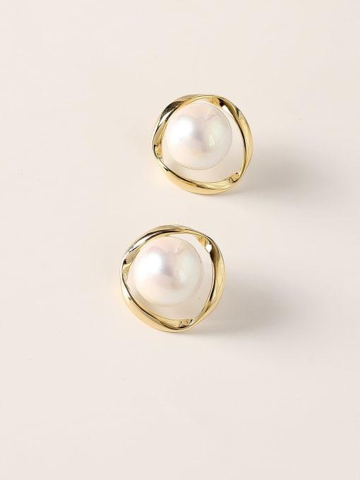 HYACINTH Brass Imitation Pearl Round Vintage Stud Earring