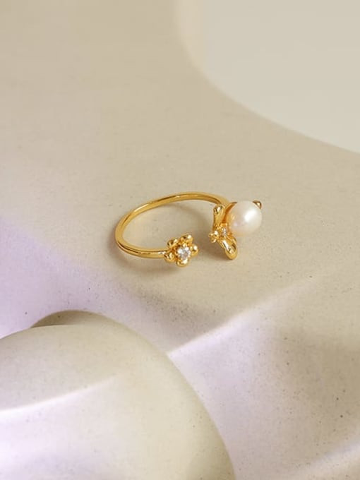 Five Color Brass Imitation Pearl Flower Hip Hop Band Ring 2