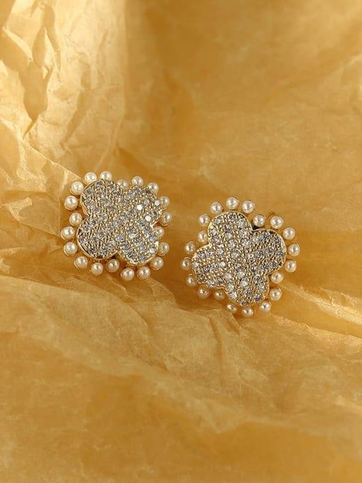 14k Gold Brass Imitation Pearl Clover Vintage Stud Earring