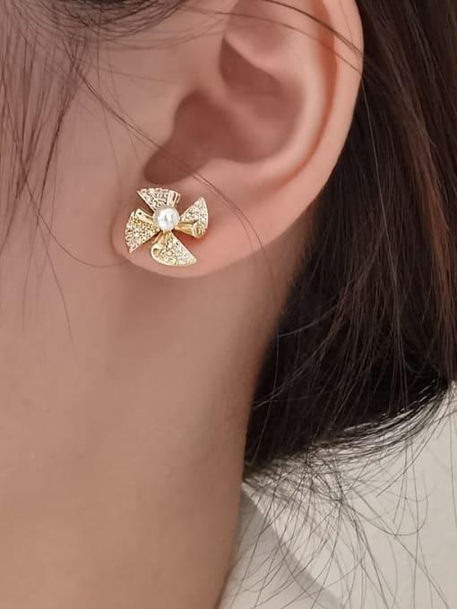 HYACINTH Brass Cubic Zirconia Clover Minimalist Stud Earring 1