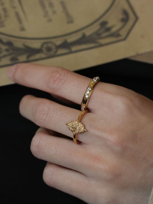 ACCA Brass Geometric Vintage Retro wild leaf pattern Band Ring 1