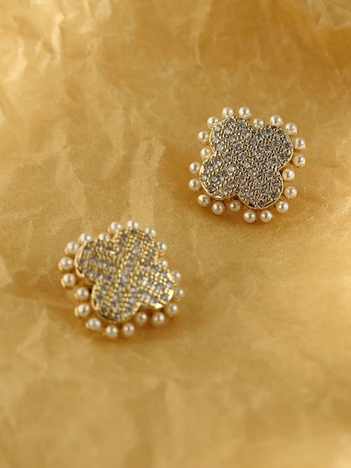 HYACINTH Brass Imitation Pearl Clover Vintage Stud Earring 0