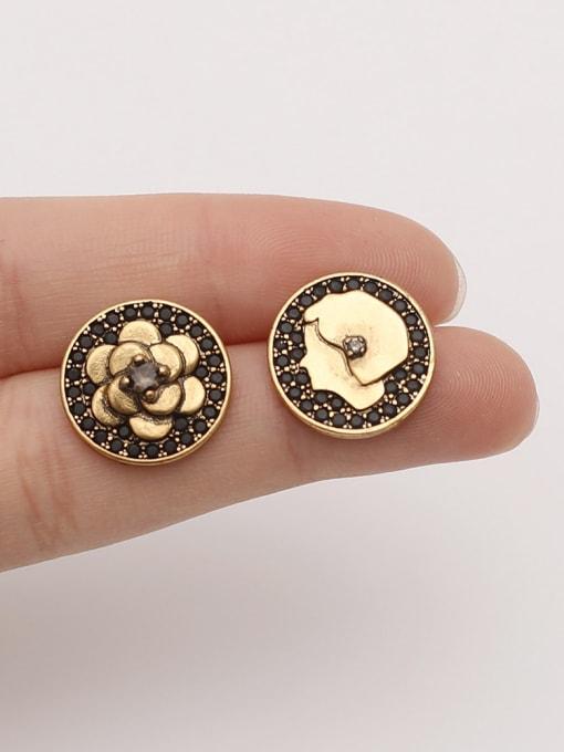 HYACINTH Brass Asymmetrical Flower Vintage Stud Earring 1