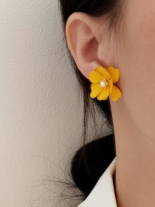 HYACINTH Brass Enamel Flower Vintage Stud Earring 1