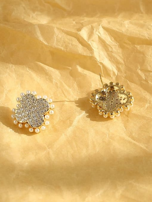 HYACINTH Brass Imitation Pearl Clover Vintage Stud Earring 3