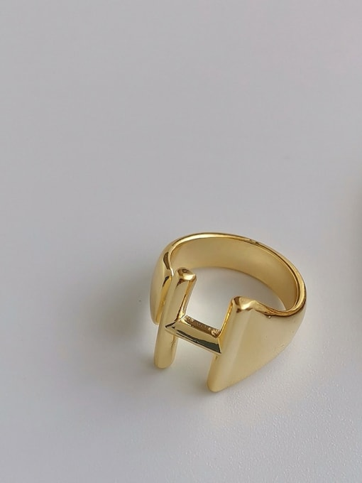 HYACINTH Brass Smooth Letter Minimalist Band Ring 3