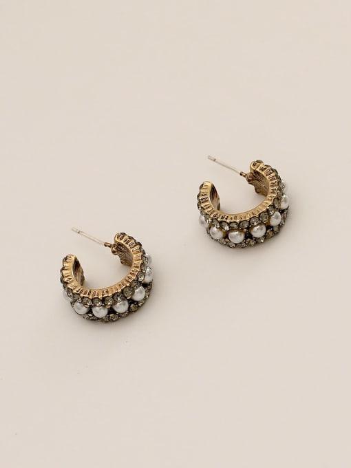 Small 1 row of pearls Brass Imitation Pearl Geometric Vintage Stud Earring