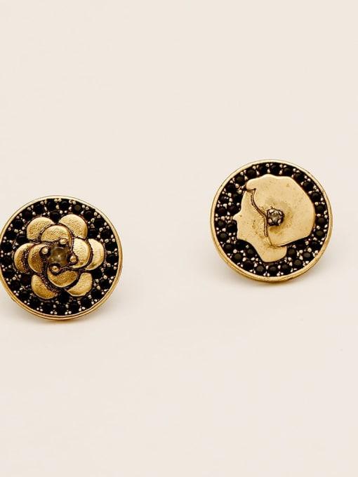 Gujin Brass Asymmetrical Flower Vintage Stud Earring