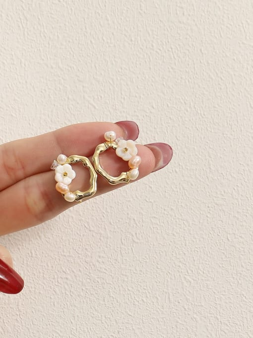 HYACINTH Brass Resin Geometric Flower Vintage Stud Earring 2