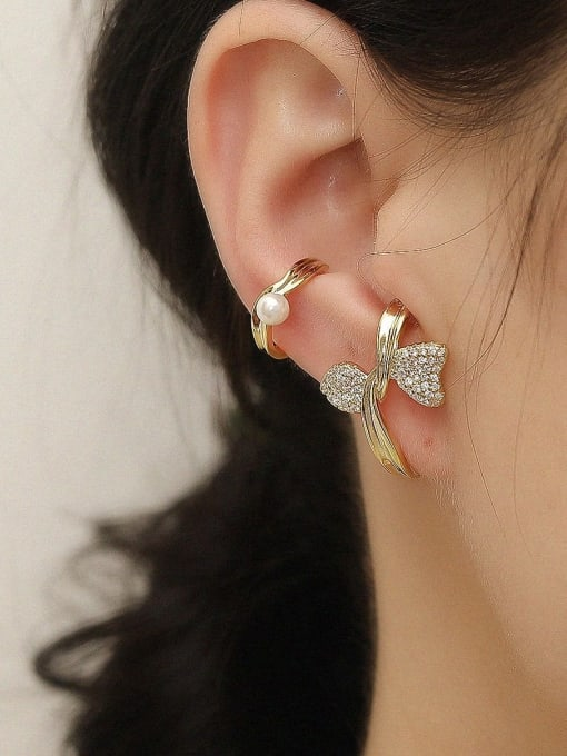 HYACINTH Brass Cubic Zirconia Asymmetry Flower Vintage Clip Earring 1