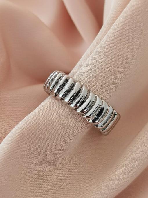 White K Brass Geometric Vintage Band Ring