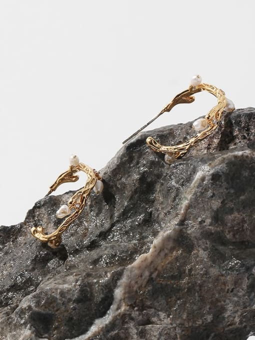 TINGS Brass Imitation Pearl Geometric Minimalist Stud Earring 2
