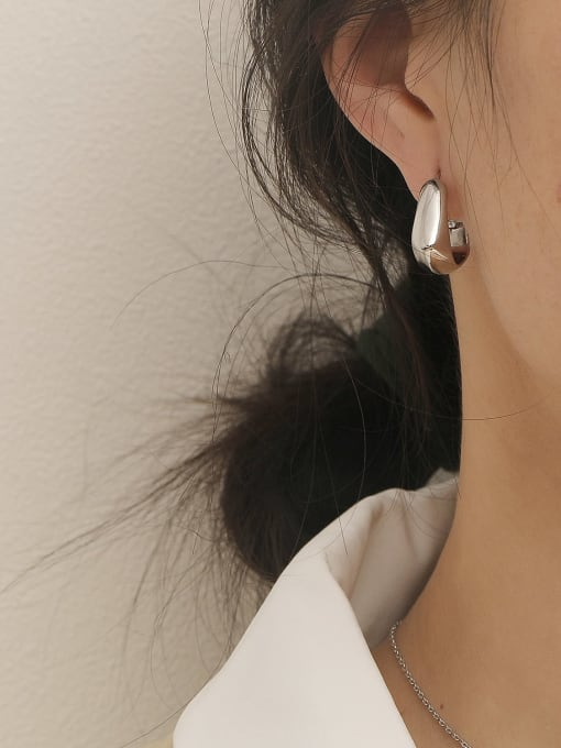 HYACINTH Brass Smooth Geometric Vintage Stud Earring 2