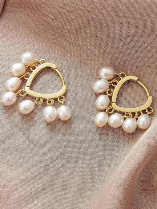 HYACINTH Brass Imitation Pearl Heart Minimalist Huggie Earring 2