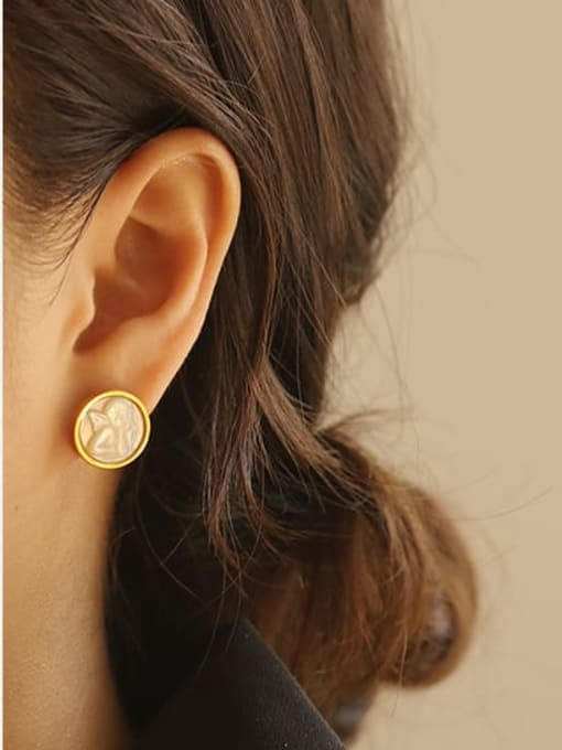 ACCA Brass Shell Round Vintage Stud Earring 1