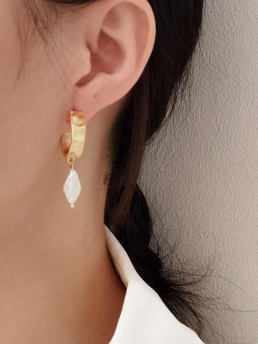 HYACINTH Brass Freshwater Pearl Geometric Vintage Huggie Earring 1