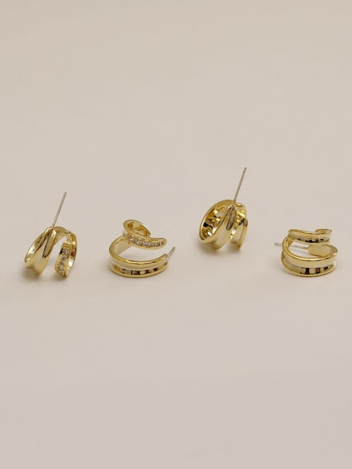 HYACINTH Brass Irregular Vintage Stud Earring 1