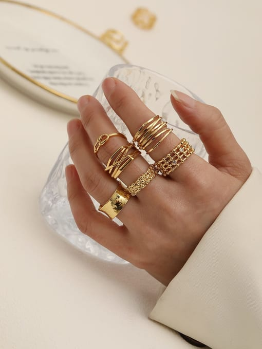 HYACINTH Brass Geometric Vintage Band Ring 1