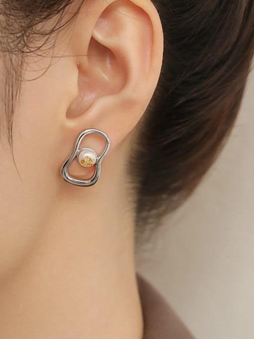 TINGS Brass Imitation Pearl Geometric Vintage Huggie Earring 1