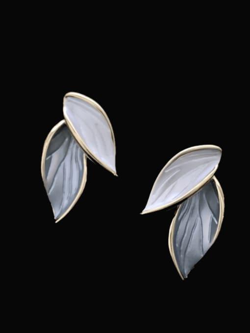SUUTO Brass Shell Flower Minimalist Stud Earring