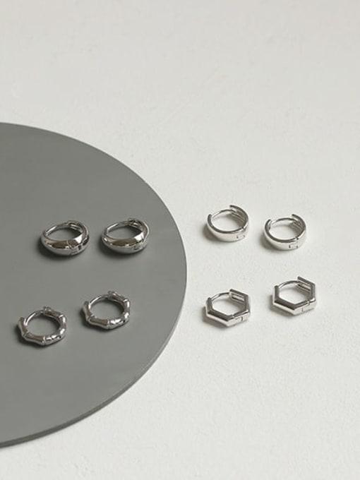 ACCA Brass Smooth Geometric Minimalist Huggie Earring 4
