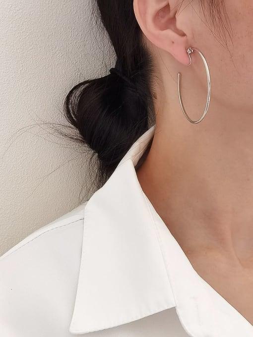 HYACINTH Brass Hollow Round Minimalist Hoop Earring 2