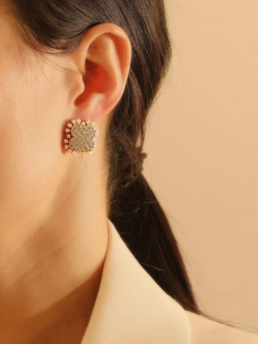 HYACINTH Brass Imitation Pearl Clover Vintage Stud Earring 1