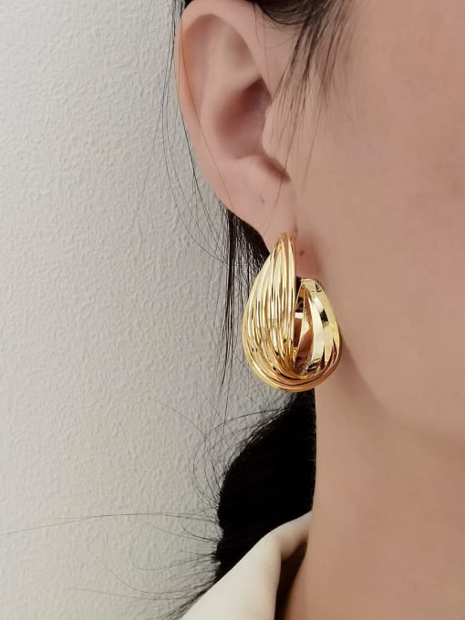 HYACINTH Brass Round Minimalist Hoop Earring 1