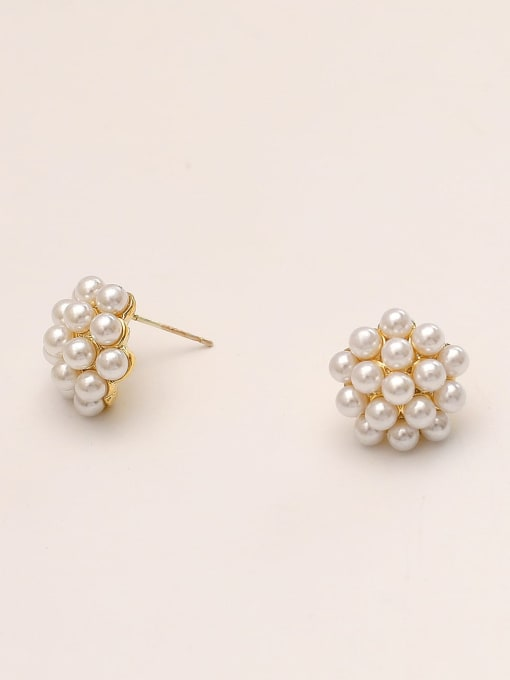 HYACINTH Brass Imitation Pearl Round Vintage Stud Earring 2