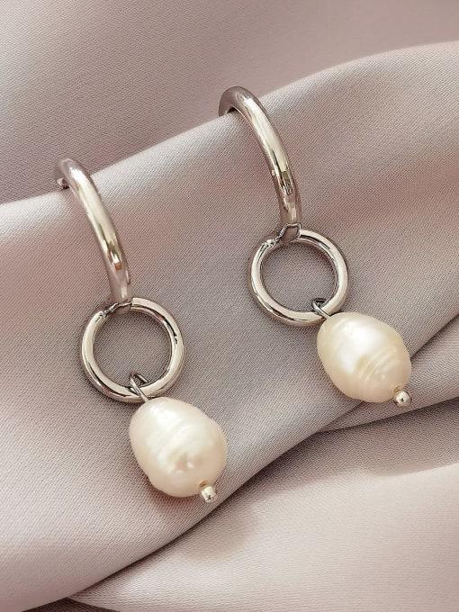 white Brass Imitation Pearl Geometric Vintage Huggie Earring