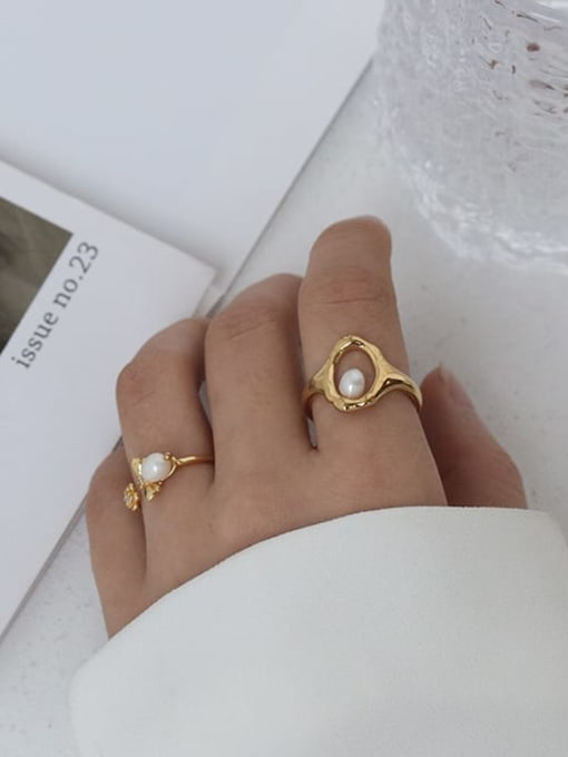Five Color Brass Imitation Pearl Bee Hip Hop Band Ring 2