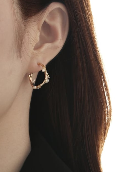 TINGS Brass Imitation Pearl Geometric Minimalist Stud Earring 1