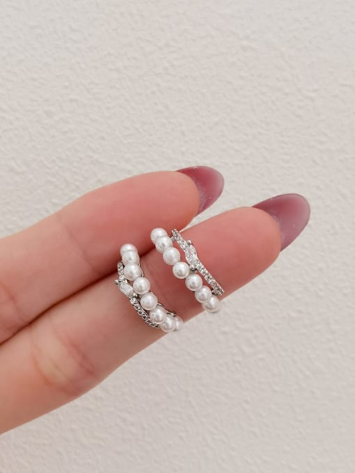 white K Brass Imitation Pearl Geometric Minimalist Stud Earring