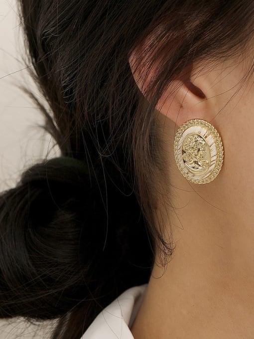HYACINTH Brass Shell Oval Vintage Stud Earring 1