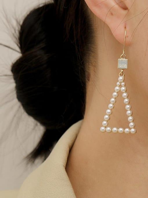 HYACINTH Brass Imitation Pearl Triangle Vintage Hook Earring 2