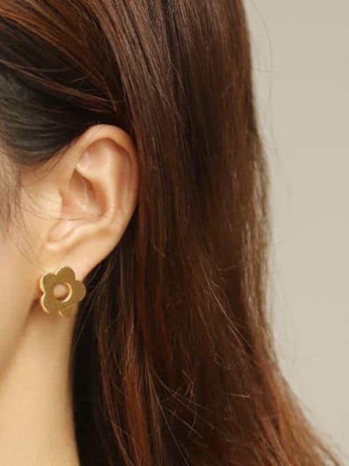 ACCA Titanium Flower Minimalist Stud Earring 1