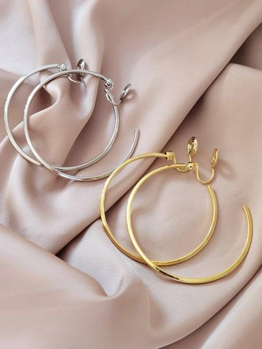 HYACINTH Brass Hollow Round Minimalist Hoop Earring