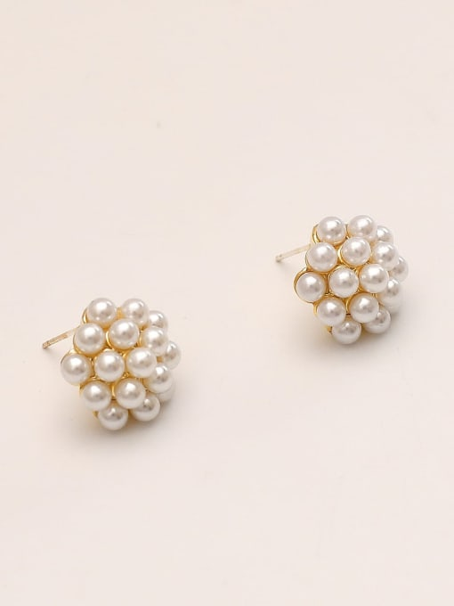 HYACINTH Brass Imitation Pearl Round Vintage Stud Earring 1