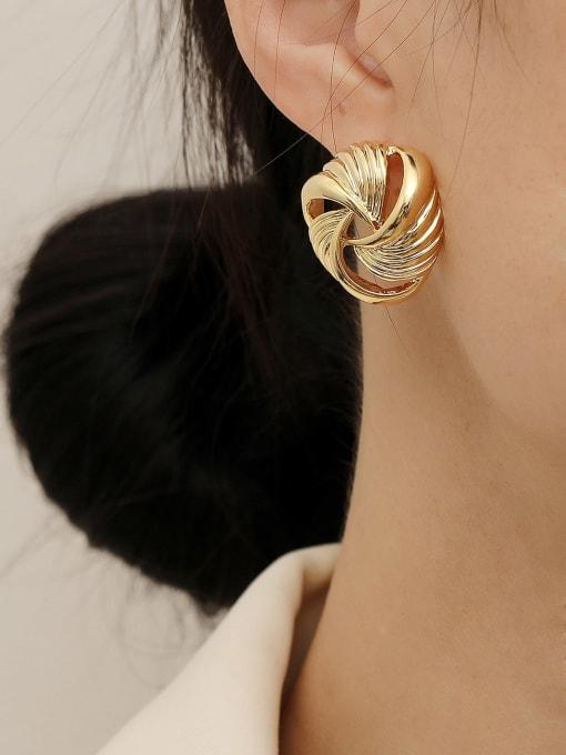HYACINTH Brass Hollow Geometric Vintage Stud Earring 1